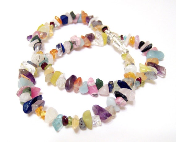 Gorgeous Gemstone Chip 18 Inch Necklace Easy To Fasten Barrel Clasp