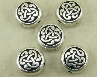 5 TierraCast Circle Triad Celtic Knot Beads > Fine Silver Plated Lead Free Pewter - I ship Internationally 5543