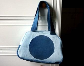 blue handbag, blue purse, retro blue purse, purse with blue dot, purse with circle, blue handbag, handbag with dots, retro handbag