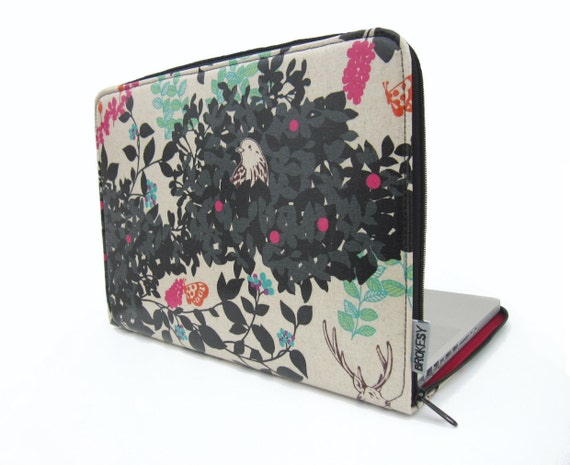 Black Woodland - Laptop Sleeve - 15 inch MacBook Pro