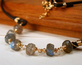 Labradorite and Leather Necklace. Leather Choker Necklace. Wire wrapped Labradorite Necklace. Gemstone Leather Necklace.