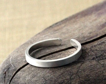 Sterling Silver Toe Ring- Skinny Textured Flat- 2mm