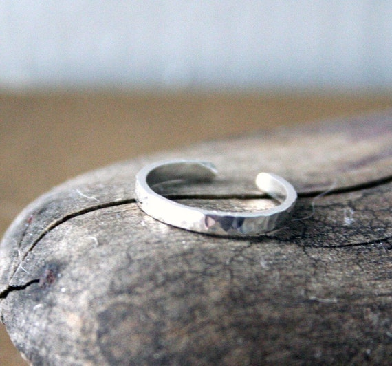 Hammered Sterling Silver Toe Ring- Dimpled- 2mm