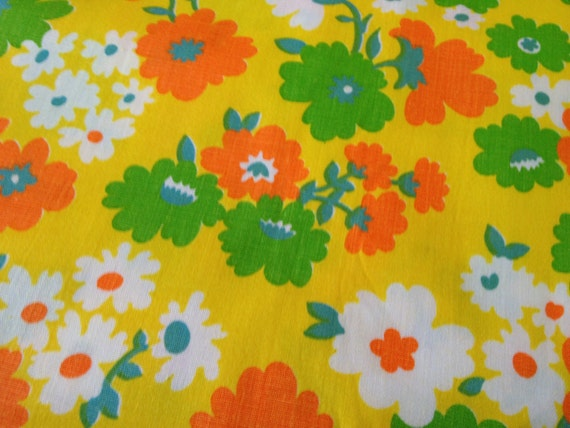 1 1/2 yards Vintage Retro Floral Print Cotton - Flower Child