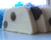 Polka Dot Soap (Fairtrade, Organic, Vegan) family size Mmmm... 100\/115g