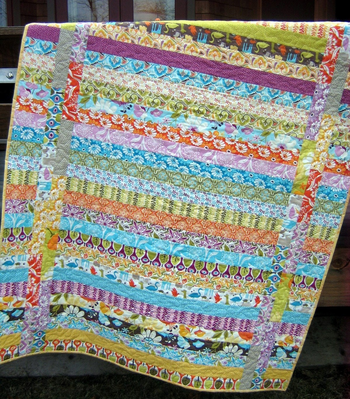 Quilt Patterns Using Strips Of Fabric : Between the Lines QUILT PATTERN.... Quick and Easy...one Jelly