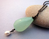 Peruvian Chalcedony Pearl Oxidized Sterling Silver Pendant Necklace