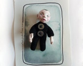 Green-eyed Tiny Vampire Velvet Brooch Wearable Doll
