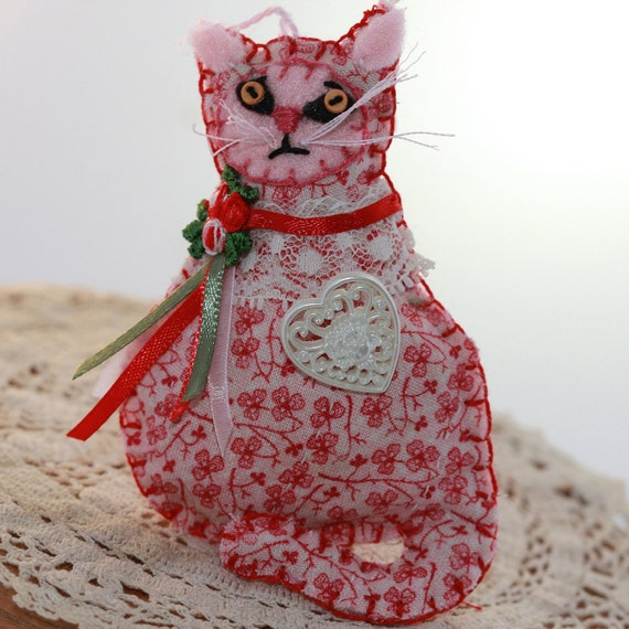 Sweetheart Lil' Kitty Cat - Romantic Filigree Heart  Quilty Critter