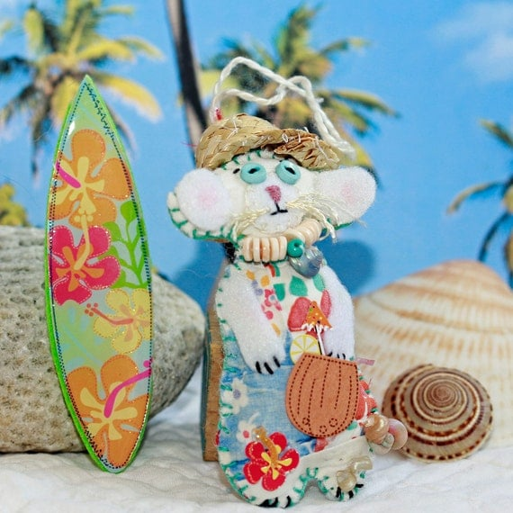 Tiny Quilty Critter Surfer Dude Mouse - Summer Quilty Critter