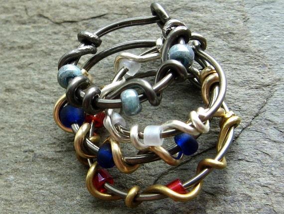 beaded vine single-- custom hoop earring or nose ring-- primitive series-- handmade by thebeadedlily