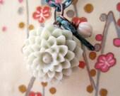 chrysanthemum  necklace