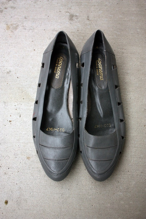 RESERVE - Size 8.5 - Leather Grey Flats