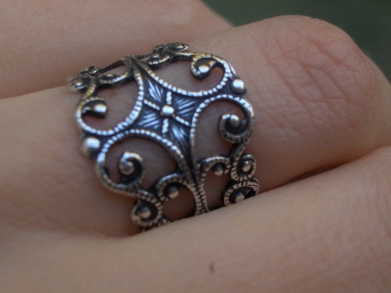 Sparrow Compass Filigree Ring with Vine Scroll and Ornate Trelis Design Heavy Sterling Silver Plated Ring