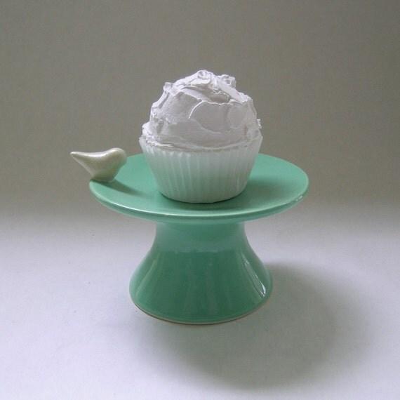 Bird Cupcake Ceramic Stand in Vintage Green