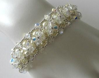Crystal Pearl Cuff Bridal bracelet, Wedding jewelry, Beaded jewelry, Ivory Beaded bracelet, Beadweaving, Beaded Jewelry