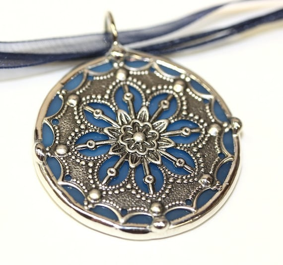 Round Stained Glass and Filigree Pendant (SGV-P15)