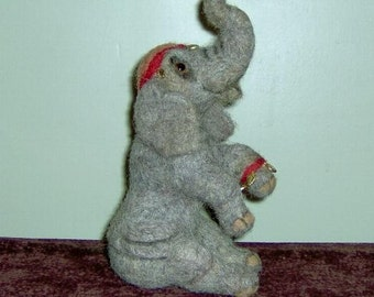 Needle felted, circus elephant,grey elephant,gray elephant,circus,drum,OOAK elephant,wool elephant,collectable elephant,animals