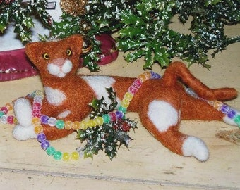 Needle felted orange and white cat