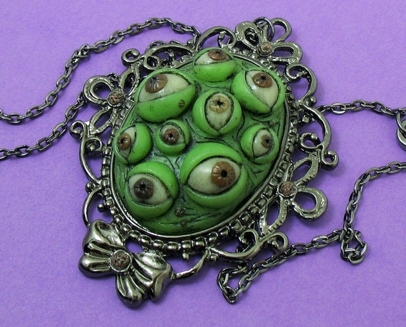 Monster Eye Cameo (eyes glow in the dark)