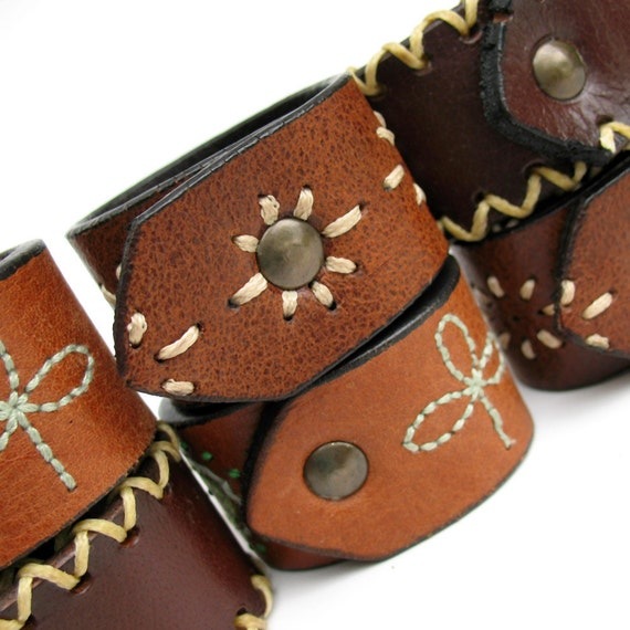Eco-Friendly Napkin Rings in Mixed-up Leather with Decorative Stitching - Set of Six - OOAK