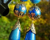 Runway BoLd Vintage Earrings Dramatic BLue Sky Statement Shoulder Duster Hollywood PinUp BurLesquE VLV Pearlized Clips That 70s Show Glam