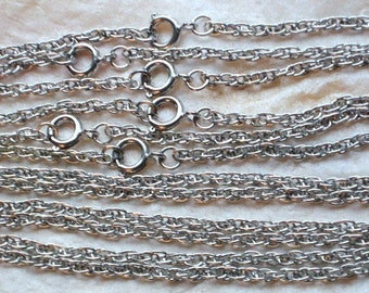 """ChaiNs SaLe Now 1/2 Off Vintage Lot 6 Necklaces Silver Tone 16"""" Inches HaLf Off Pendants Jewelry Making 1970's Green Upcycle Charms"""
