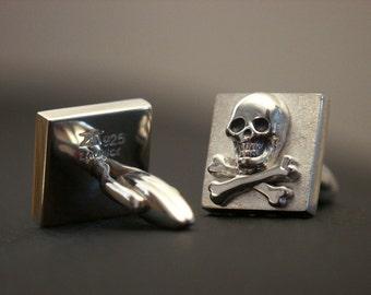 Skull n Bones meets Classic Cufflinks