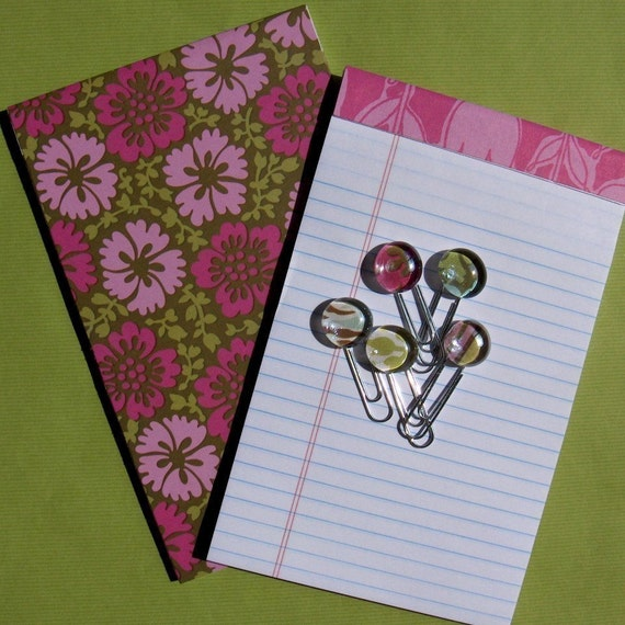 Office chic set of 2 notepads and 5 glass marble paper clips - Pink tulips