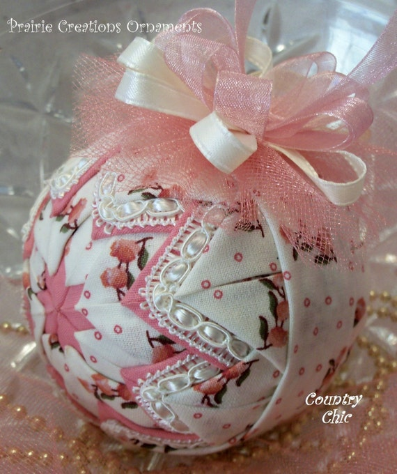 Country Chic Quilted Shabby Romantic Ornament