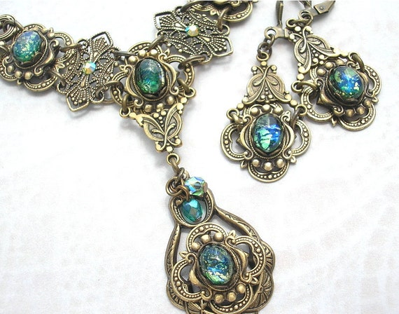 Celtic Rainforest - Emerald Green Glass Opal Antiqued Brass Necklace Set Victorian Style Jewelry