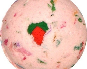 Strawberries and Champagne Bath Bomb 60mm