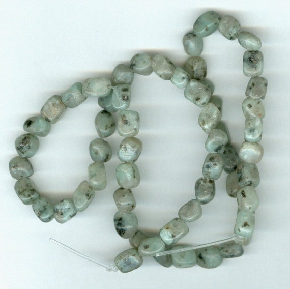Small Spotted Agate Pebble Beads - Full Strand