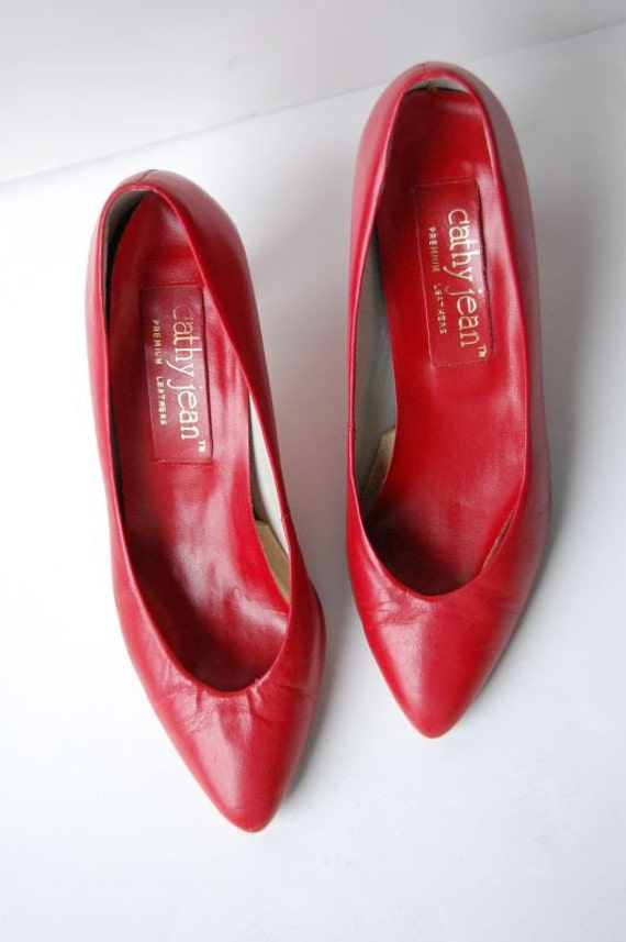 Items Similar To LIPSTICK RED Leather Heel Shoes 6.5 On Etsy