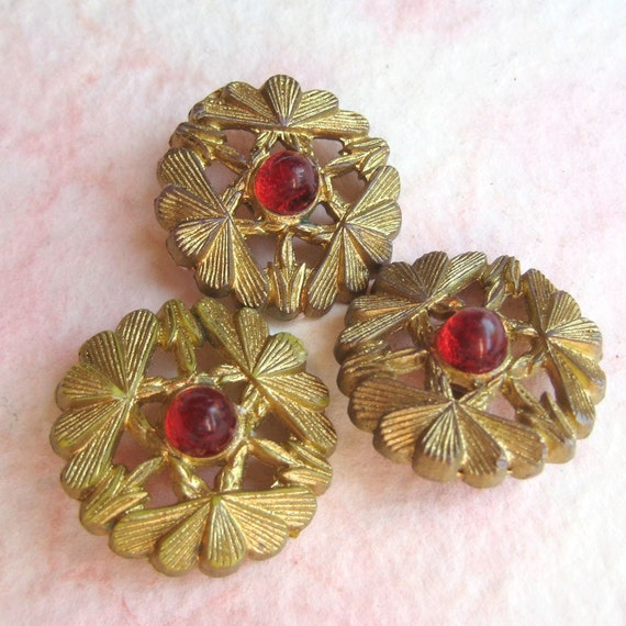 Vintage Plastic Buttons -  Red Jewel in Openwork Gold