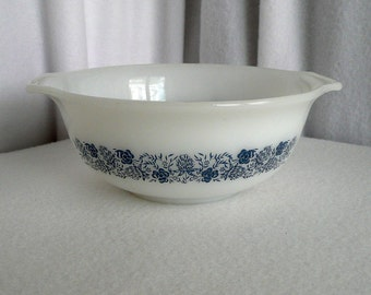 Blue Clover Mixing Bowl McKee Glasbake