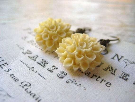 dahlia earrings Winter White creamy off white flower brass filigree back womens jewelry