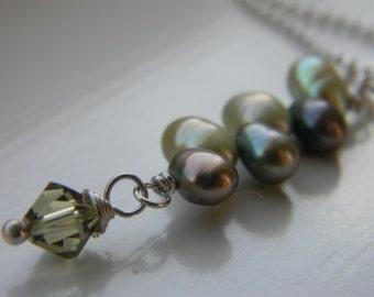 Green Pearl Necklace . Pendant . Freshwater Pearls . Dancing pearl . Teardrop Pearl . Swarovski crystal . Wedding . Bridesmaid . FREE SHIPNG