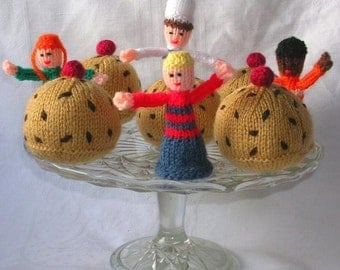 Currant  Bun and Free Finger Puppet Knitting Pattern PDF