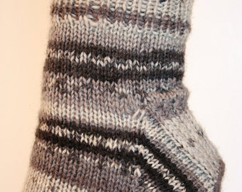 Unisex Ankle Socks,  W size 7-9,  Hand-knit by Janie Bull, Grey Skies