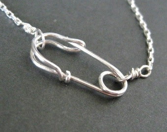 SAFETY PIN necklace (front clasp) in sterling silver - delicate necklace - punk jewelry, everyday necklace