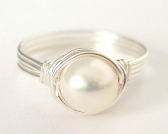 EVERYDAY CLASSIC medium white pearl sterling silver wire wrapped ring