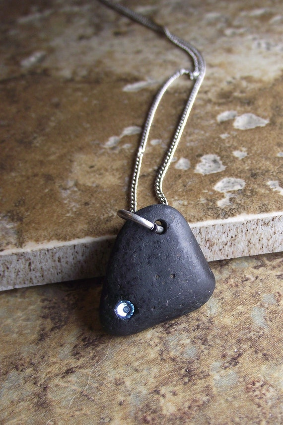 Beach Stone Jewelry - Beach Rock Necklace - Black and Blue