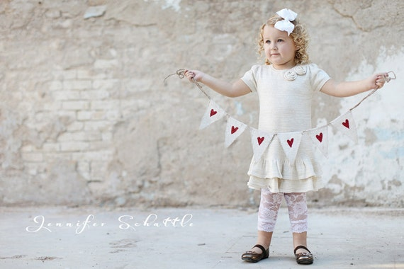 MINI Painted White Red Glittere Hearts Burlap Banner