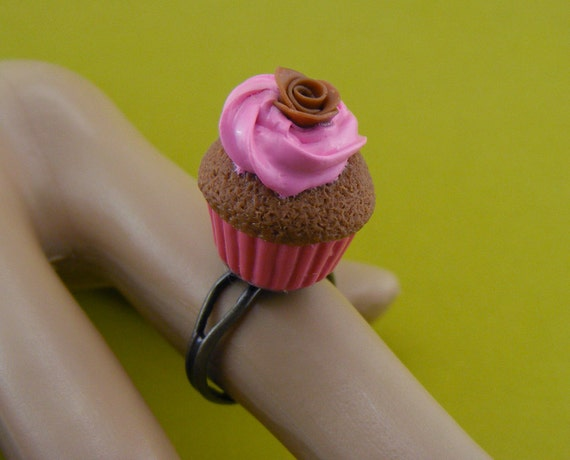 Pink Frosted Cupcake Ring
