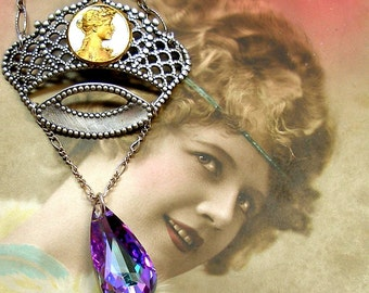 SALE 1900s Antique BUTTON sterling necklace, Edwardian Art Nouveau goddess on crown. Price reduced.