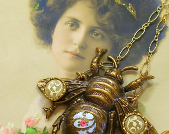 Antique BUTTON necklace, Victorian flowers on BEE & gold chain. Antique button jewelry, jewellery.