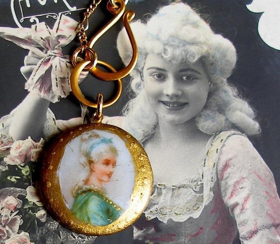 Antique BUTTON gold necklace, Edwardian Marie Antoinette portrait on gold chain.