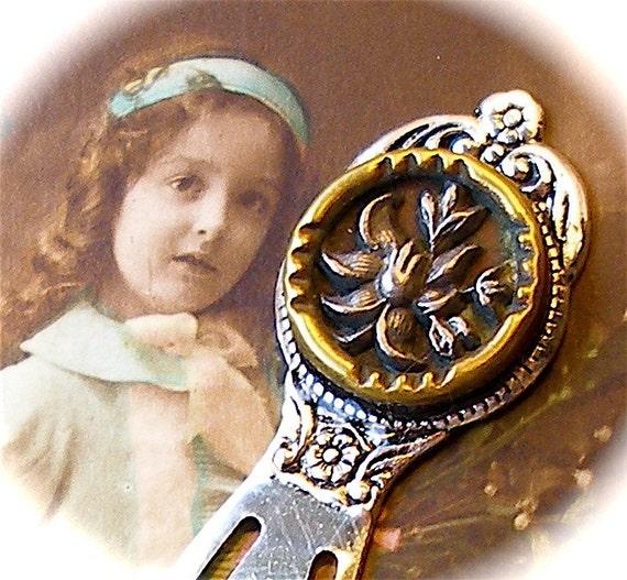 Sivler bouquet 1800's vintage button bookmark-Antique Victorian picture button, wild flowers on silver, present gift.