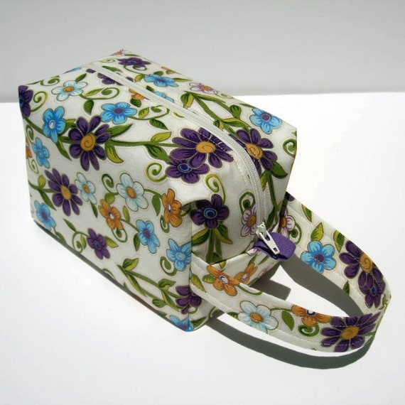 MOVING SALE - Flowers Zipper Box Knitting Project Bag
